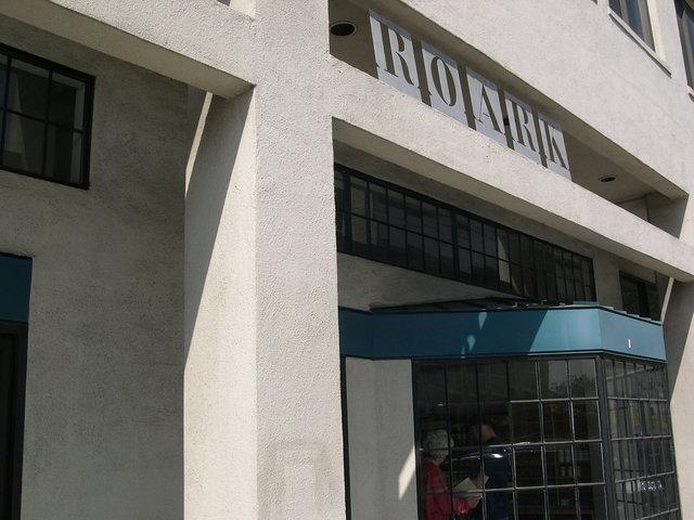 ROARK LA CA 2002