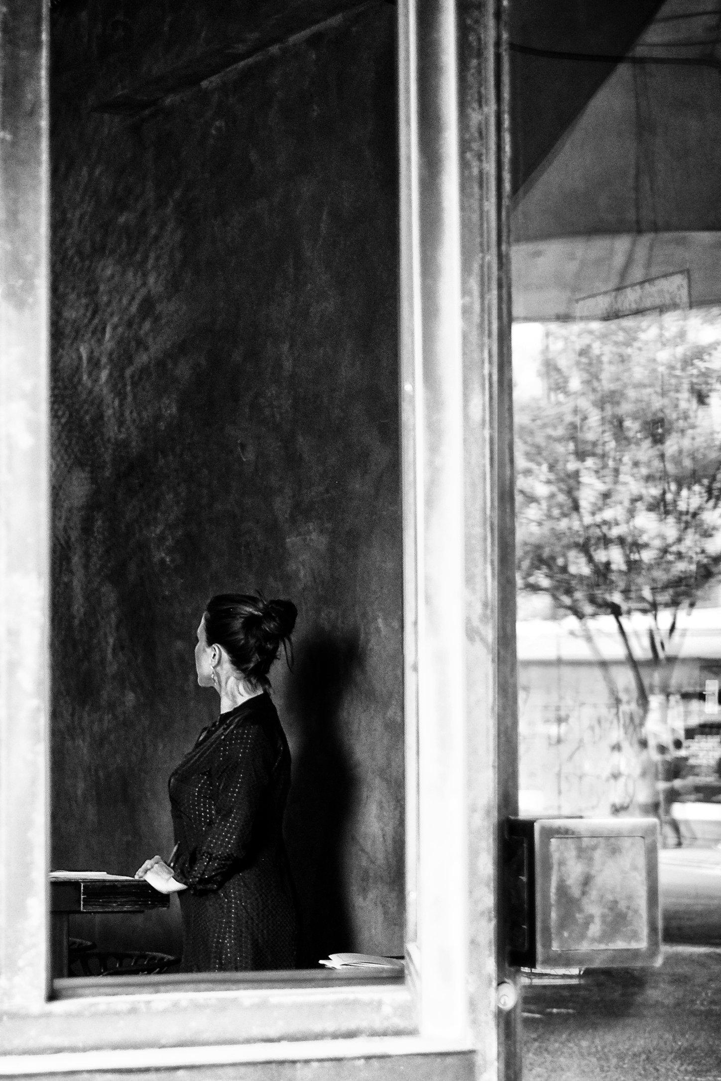 hostess.jpg
