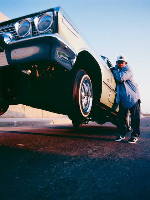 Eazy E hopping his car