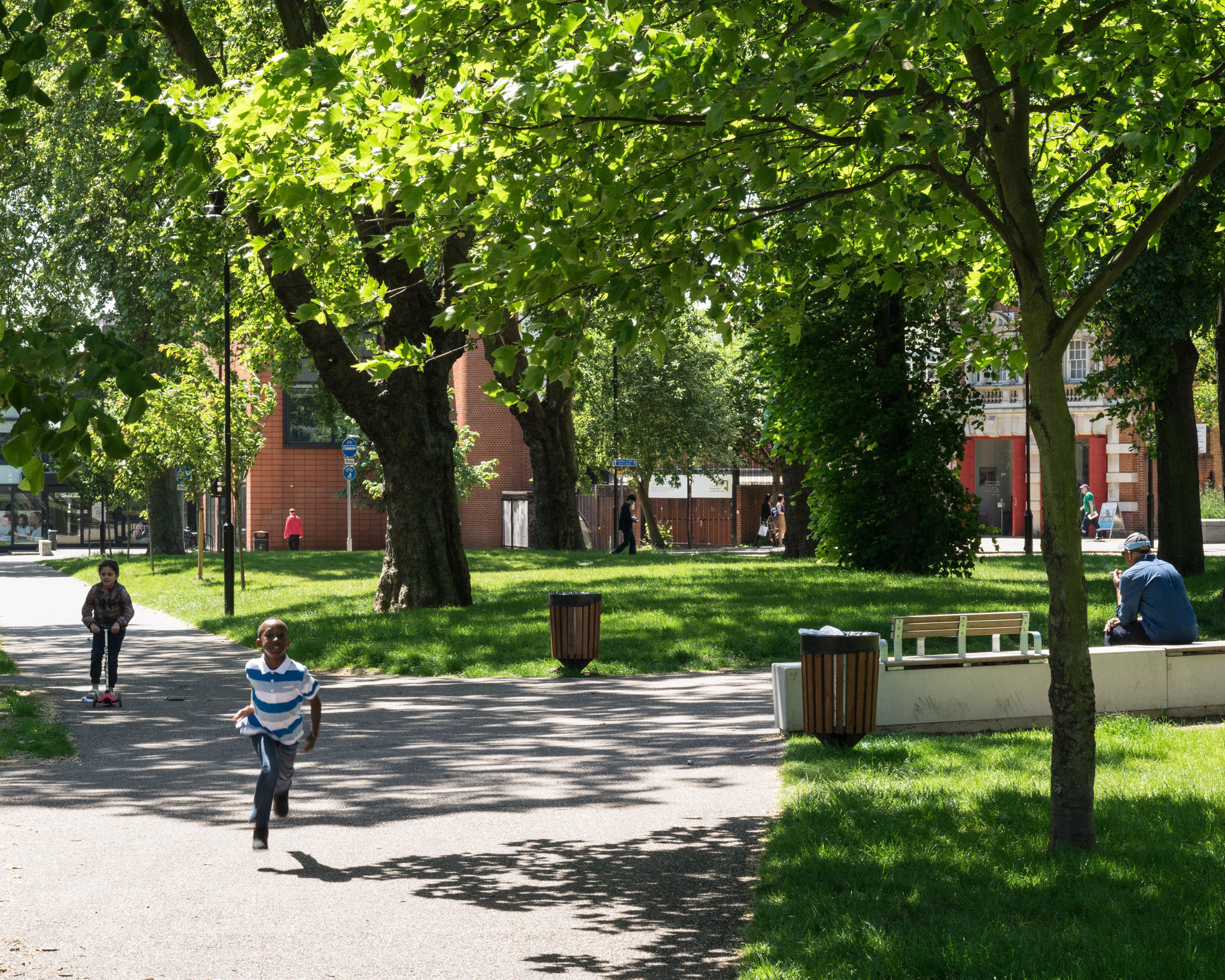 Tottenham Green. Adams and Sutherland Architects
