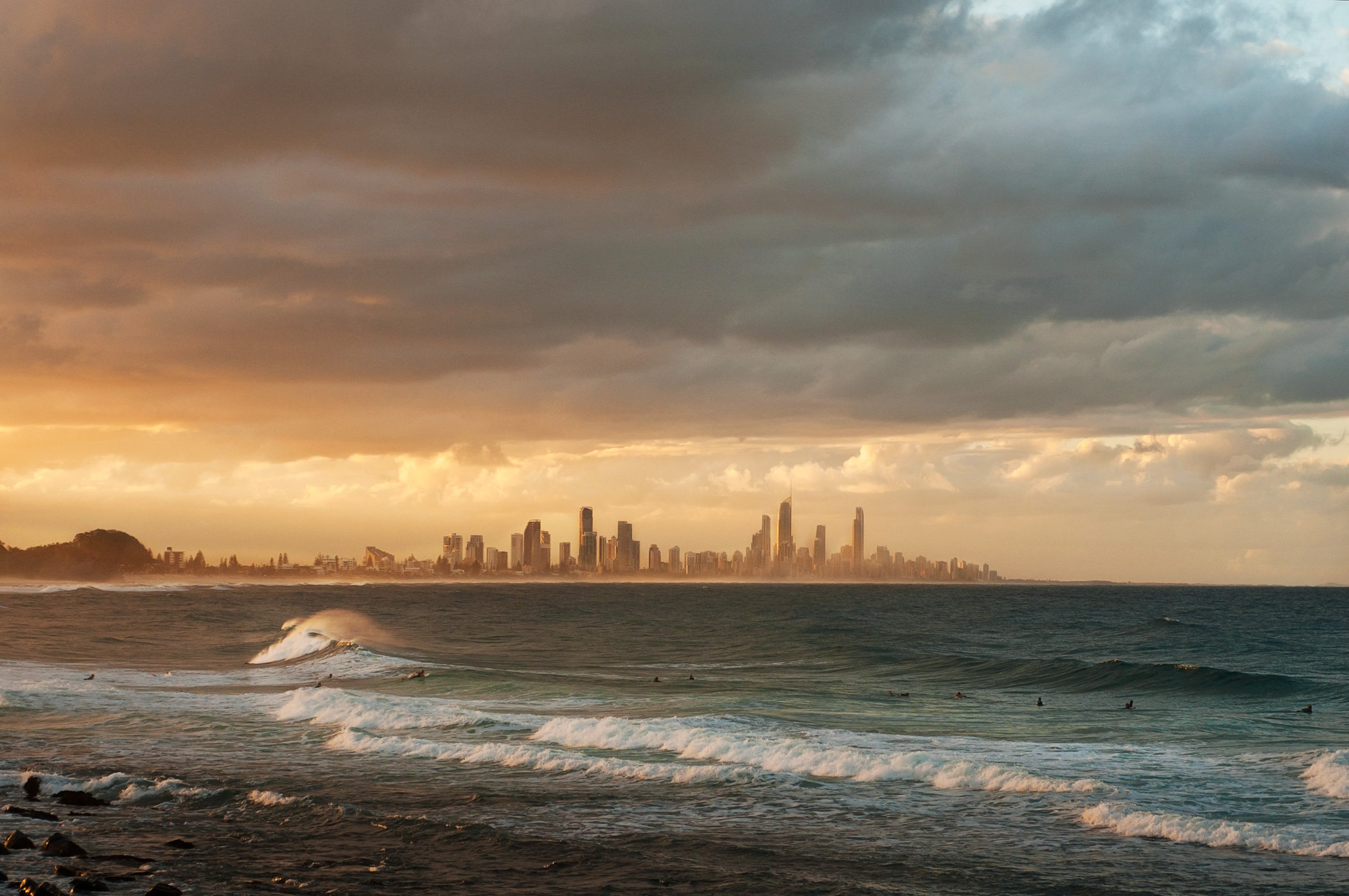 Travel-2-Gold-Coast.jpg