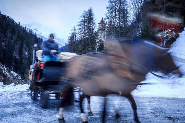 Paard en wagen naar het hotel