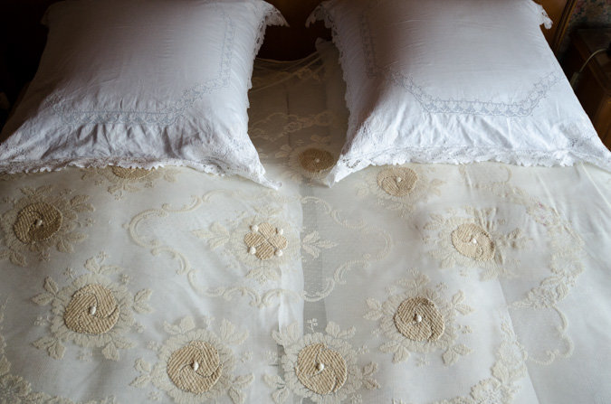 Paradekissen (Decorative Pillow), Germany