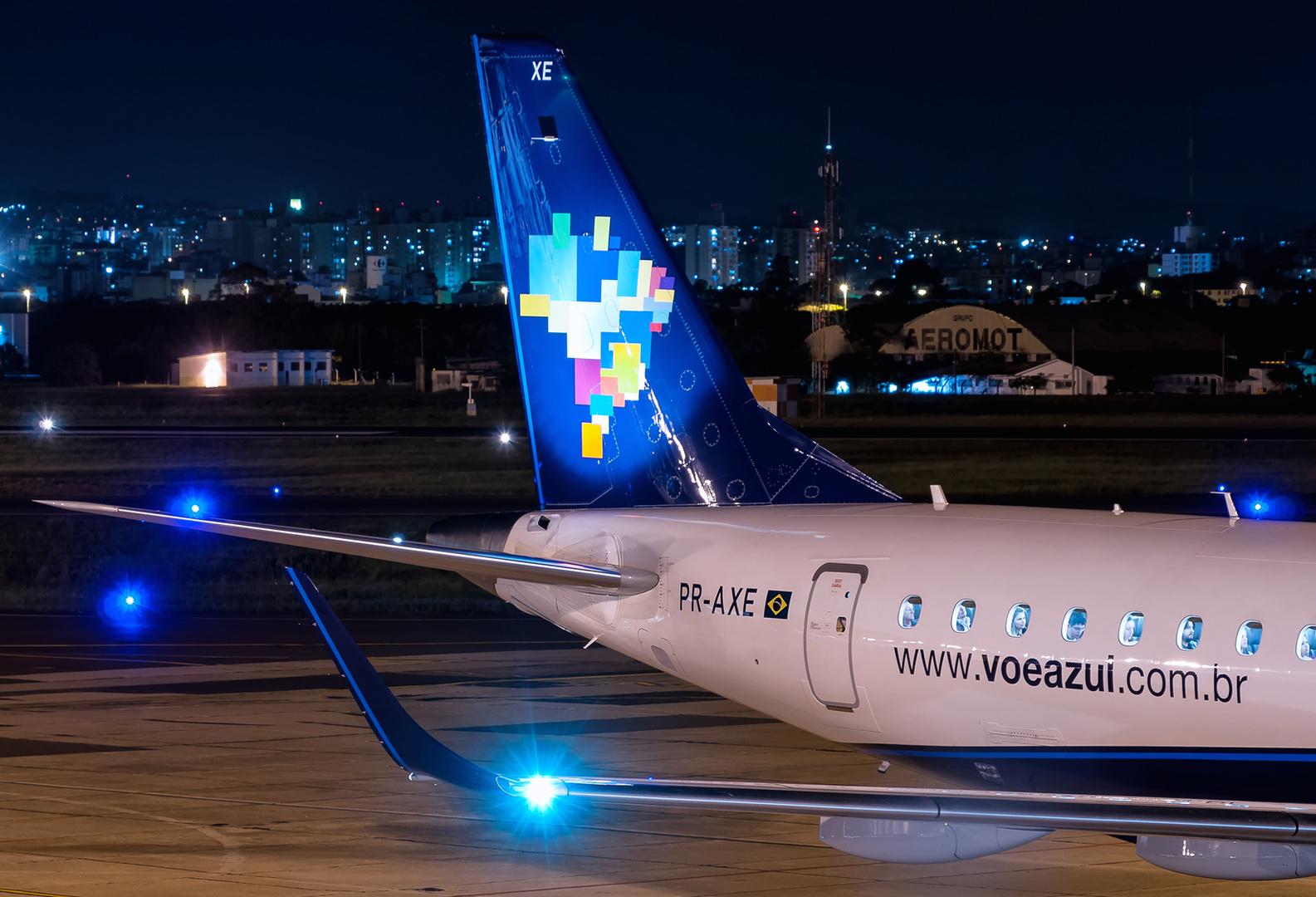 EMBRAER ERJ-195AR (190-200IGW) Azul PR-AXE