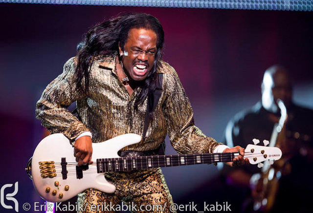 8_03_12_ERIK_KABIK_EARTH_WIND_FIRE-53.jpg