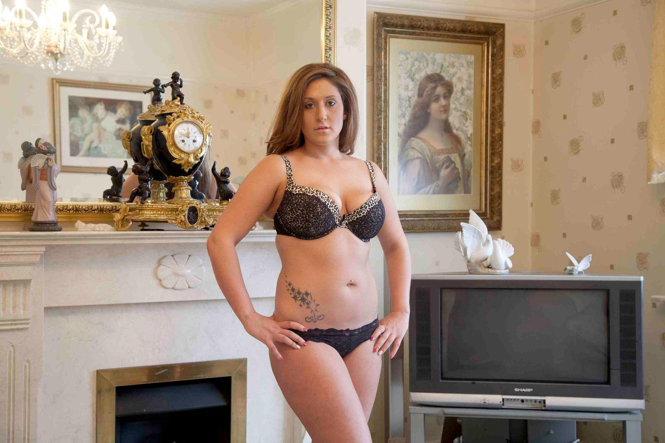 Saraya 20 years Full body liposuction and lip fillers at 18 small.jpg
