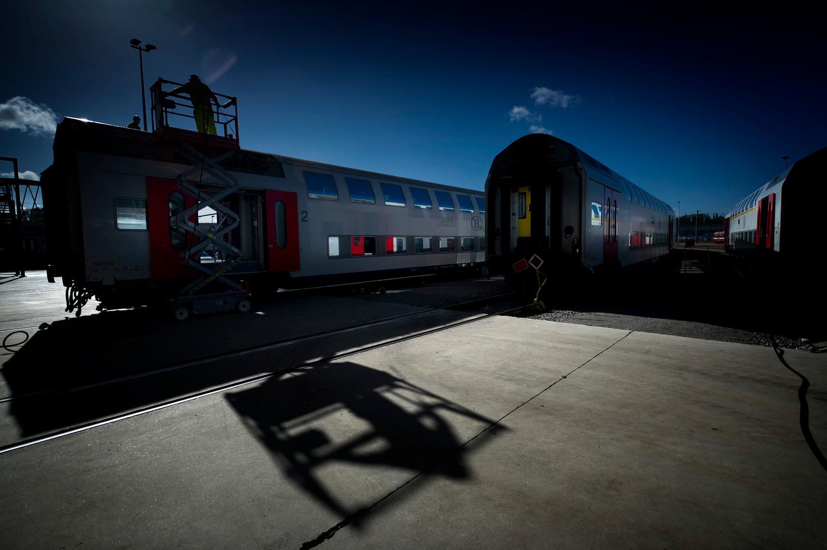 Reporters_h_110914_train_026.jpg