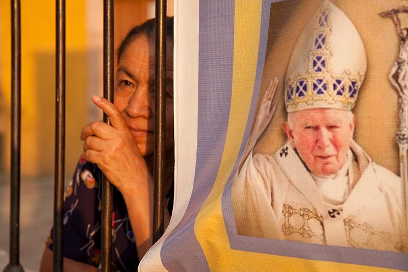 Prayer & Pope, Mexio
