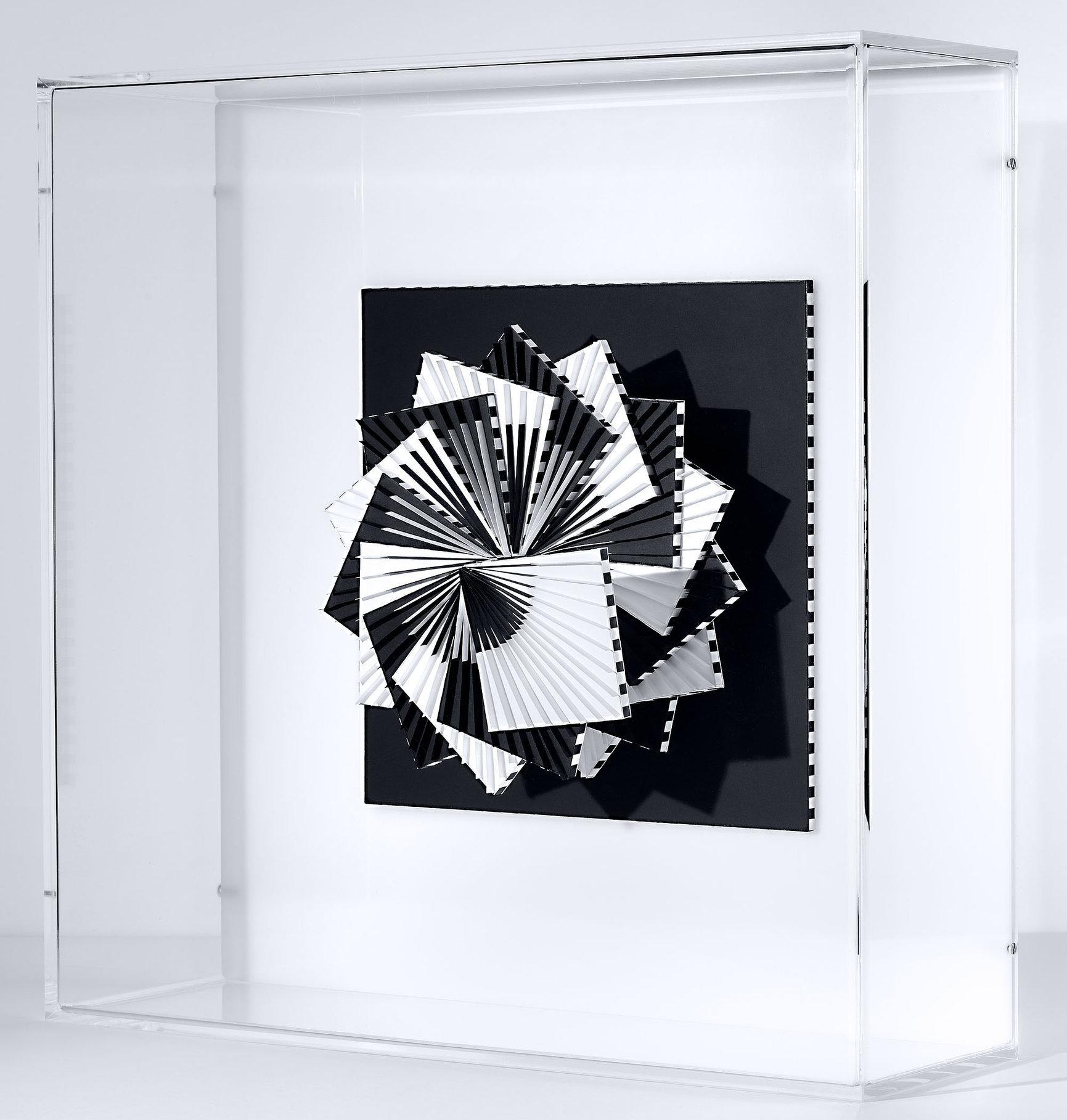 Francoise LUCIANI spirale-NB.45x45-cm.jpg