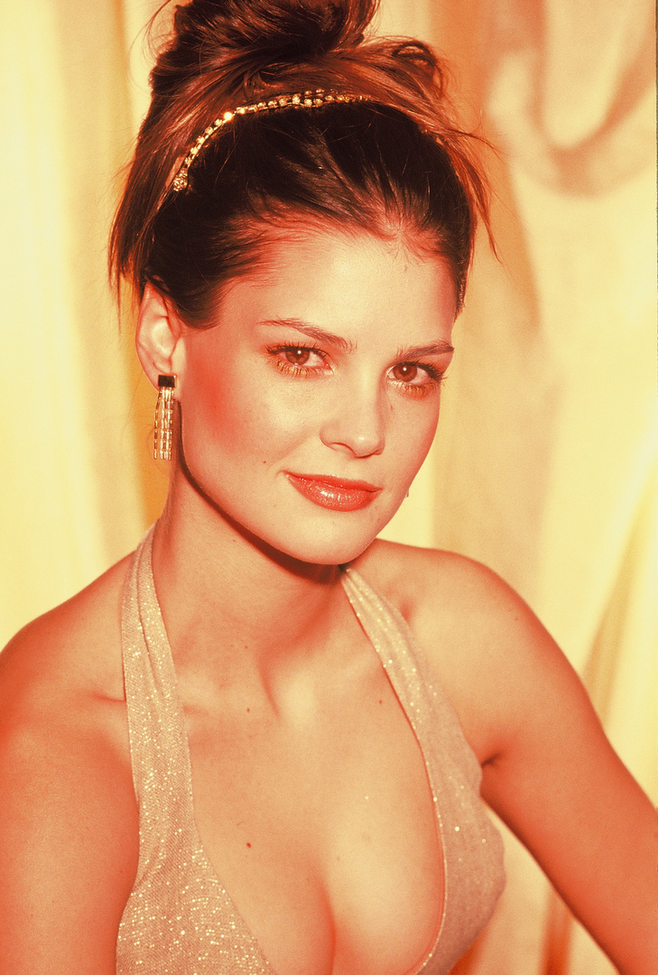 """TIFFANY BROUWER- H'WOOD ACTRESS.  Roles in """"The Help,"""" """"Entourage,"""" """"Femme Fetales'"""" """"NCIS-Los Angeles."""