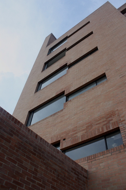 Edificio F1