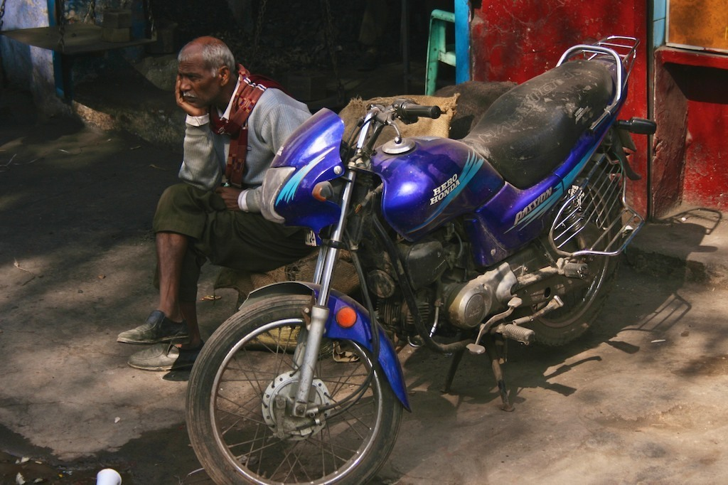 Homem com Motocicleta