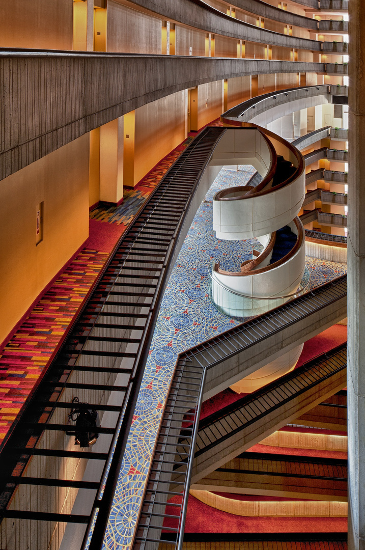 Marriott Marquis Spiral Staircase Side