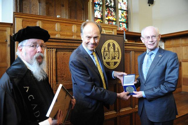 Herman van Rompuy & Karel Stolker Univ. Leiden oktober 2014