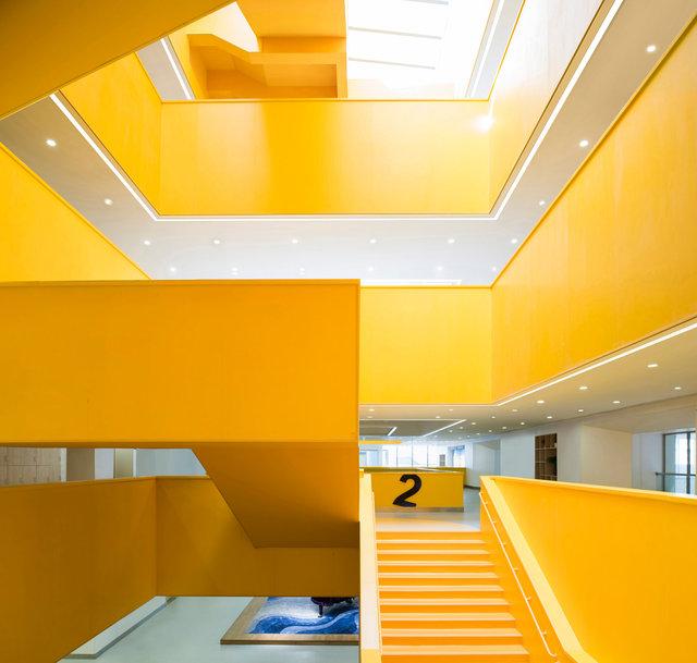 (摄影师宋肖澹)中轴线楼梯的上下贯通的空间3000.jpg