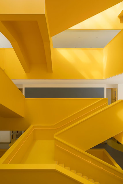 (摄影师夏至)崇文23_中轴线楼梯的转折变化.jpg