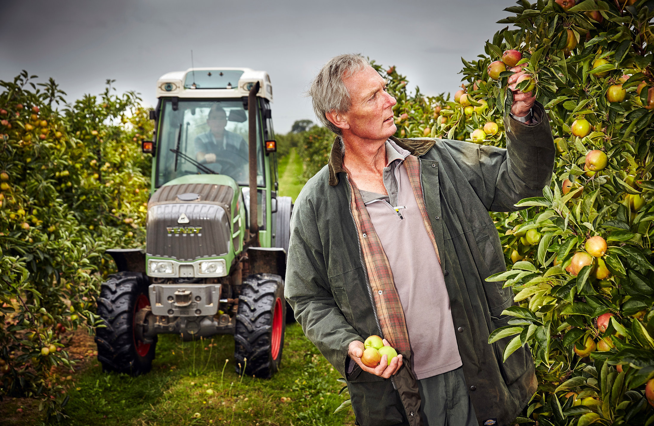 Apple farmer Kent.1289.jpg