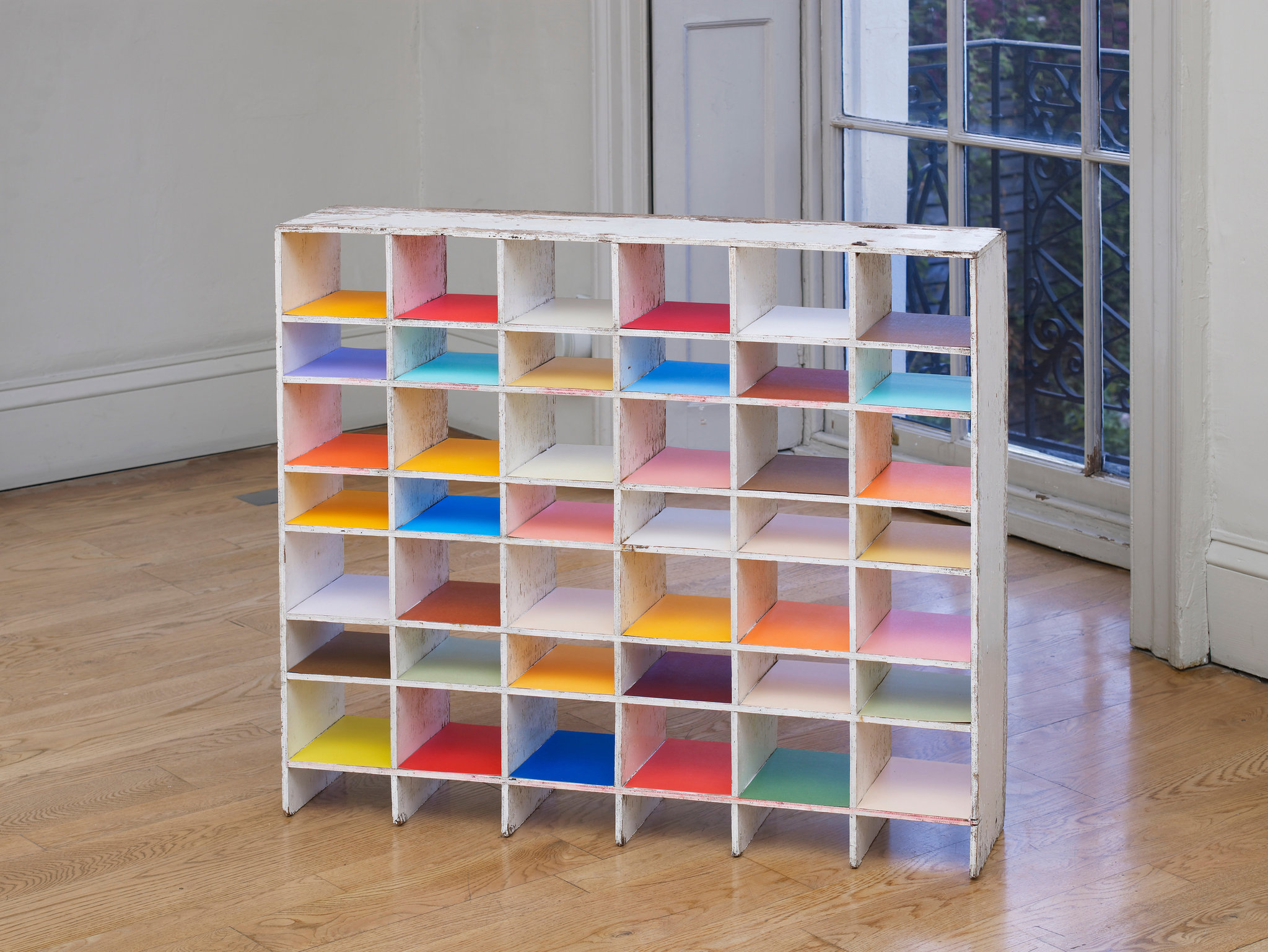 nicky-hirst-real-size-domobaal-25.jpg