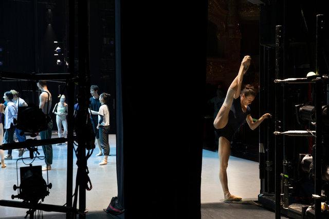 bailarina media.jpg