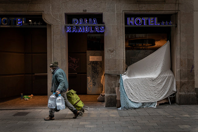 HOTEL00.jpg