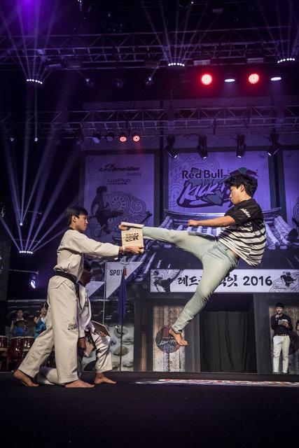ss_160911_Kick_It_Final_Korea_0012.jpg