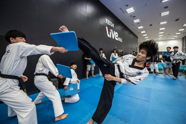 ss_160911_Kick_It_Final_Korea_0002.jpg