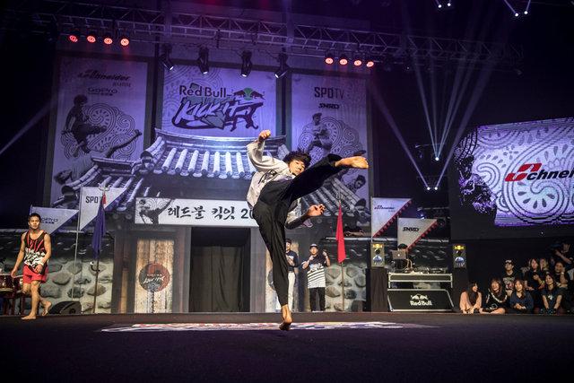 ss_160911_Kick_It_Final_Korea_0006.jpg