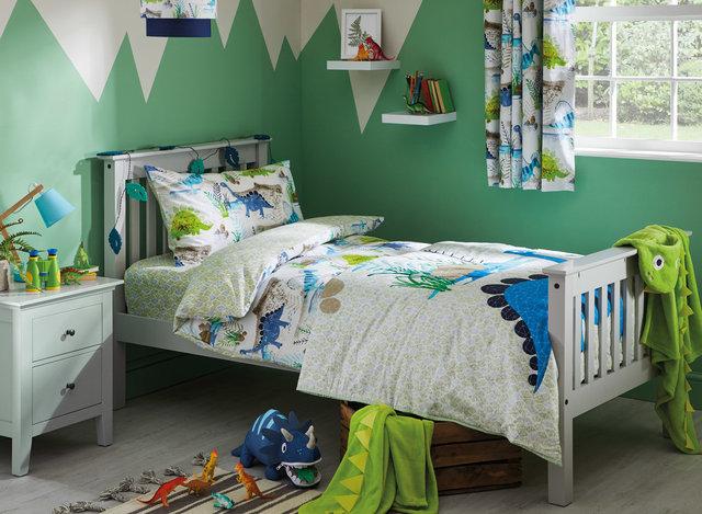 copyright_alex-bland.co.uk_DP024_SS19_Kids ROAR Bedding Set_Landscape.jpg