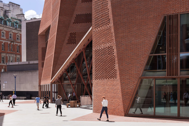 "LSE STUDENT CENTRE - O'DONNELL & TUOMEY<br><font color=""a6a6a6""><u><a href=""http://www.alex-bland.co.uk/lse"" target=""_self"">VIEW PROJECT</a></u></font>"