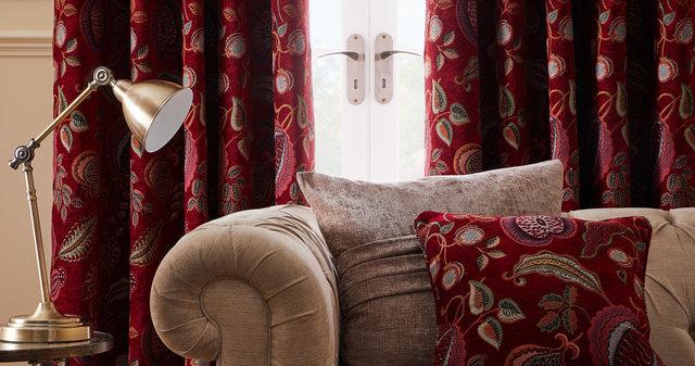 copyright_alex-bland.co.uk_Luxury Curtains Edina Lifestyle_Detail.jpg