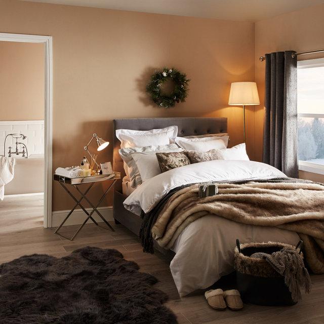 copyright_alex-bland.co.uk_XMAS19_Christmas Guest Bedroom.jpg