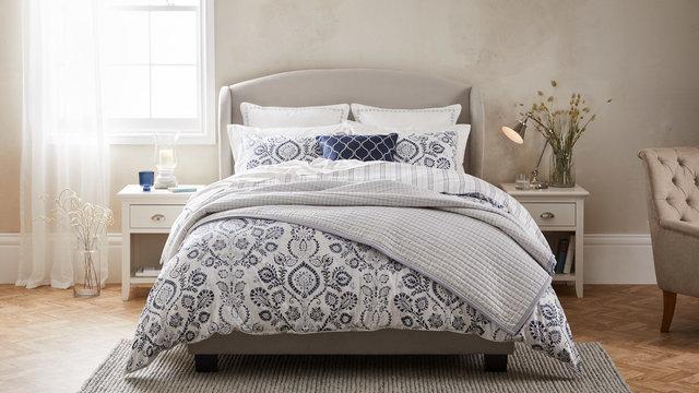 copyright_alex-bland.co.uk_AW20 DORMA_Harlyn_Main bedspread.jpg