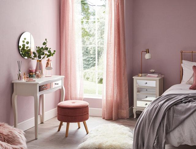 copyright_alex-bland.co.uk_Palais White Bedroom Lifestyle_Landscape.jpg