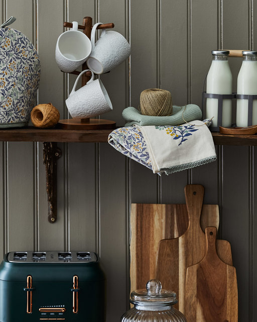 copyright_alex-bland.co.uk_AW20_Arts and Crafts_Kitchen_Shelving Detail_Portrait.jpg