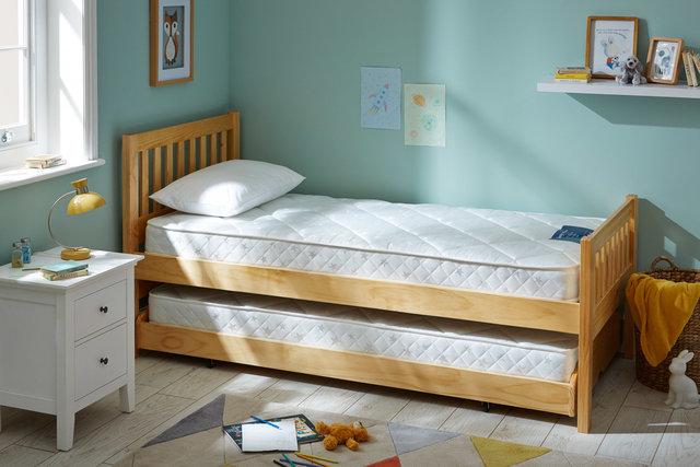 copyright_alex-bland.co.uk_Little Sleepers Anti Allergy Open Coil Mattress_Lifestyle.jpg
