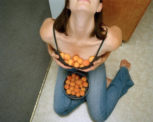 apricotchest10.jpg