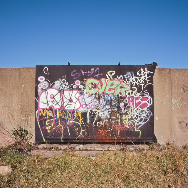 Sea wall, Tilbury