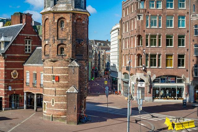 Munttoren, Singel, Kalverstraat 28 maart 2020  13;45