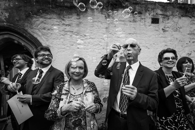 montsalvat-wedding-bubbles-brent-lukey-2100.jpg