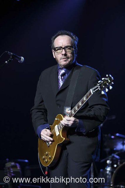 elvis_costello_5_23_08-35.jpg