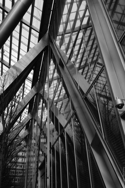 Glass, Broadgate Plaza