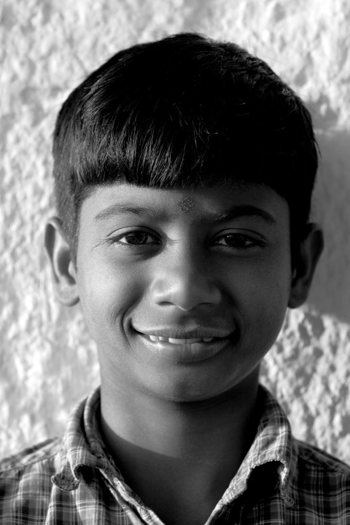 kid temple hampi.jpg