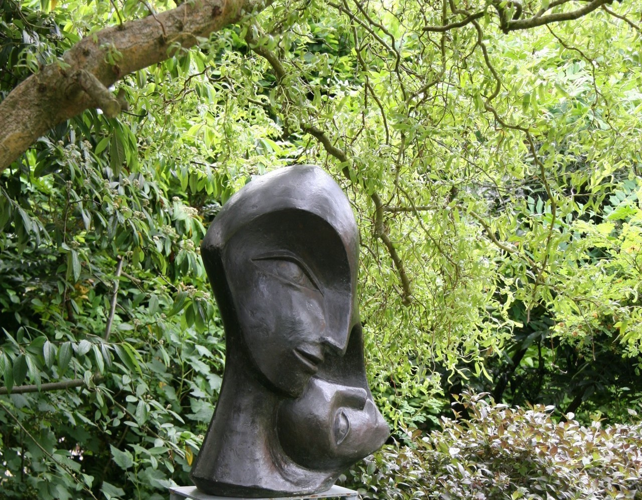 Mother and Child 2    2003   70 x 47 x 40cm  Bronze  Resin  RP £2850