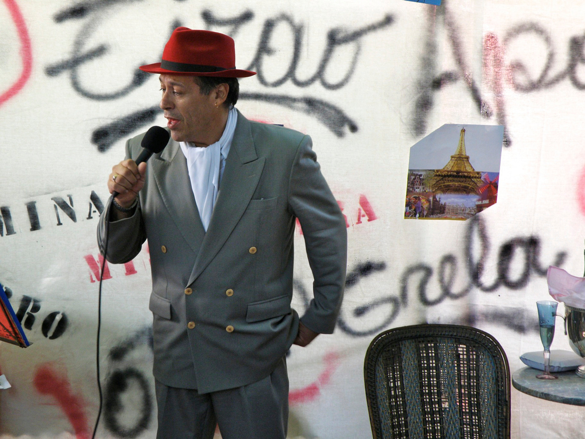 Singer in San Telmo