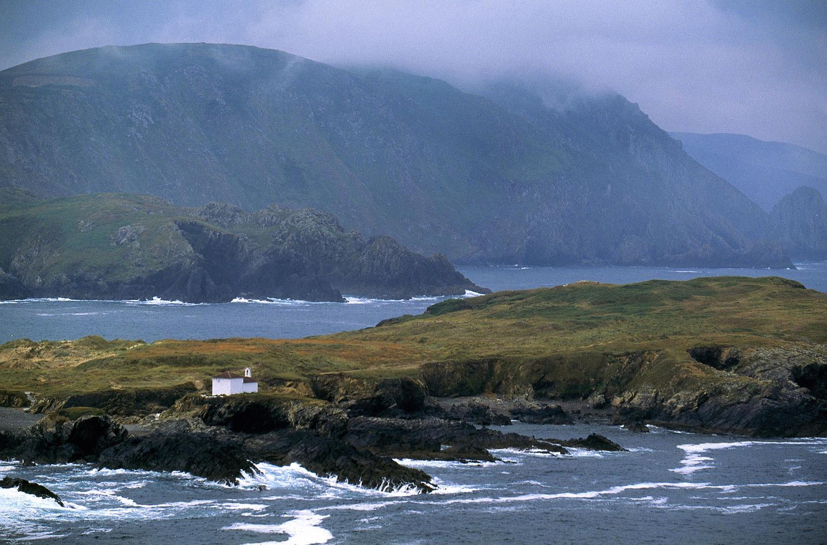 Ermitage de la Virgen del Puerto, Cap Frouxeira