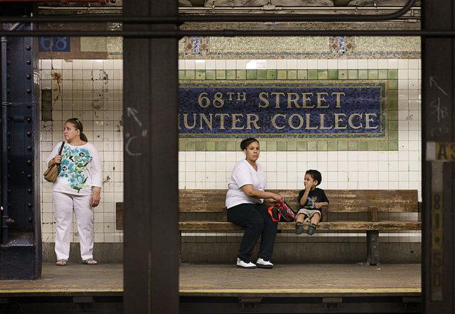 Subway4MotherChild_DSC4636-as-Smart-Object-1.jpg