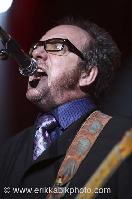 elvis_costello_5_23_08-57.jpg