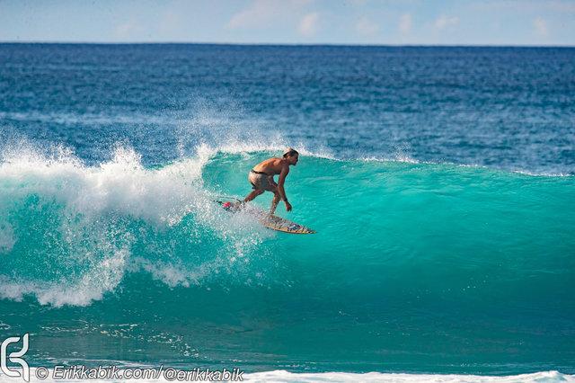 11_10_19_ke_nui_surfer_hawaii_KABIK-4.jpg