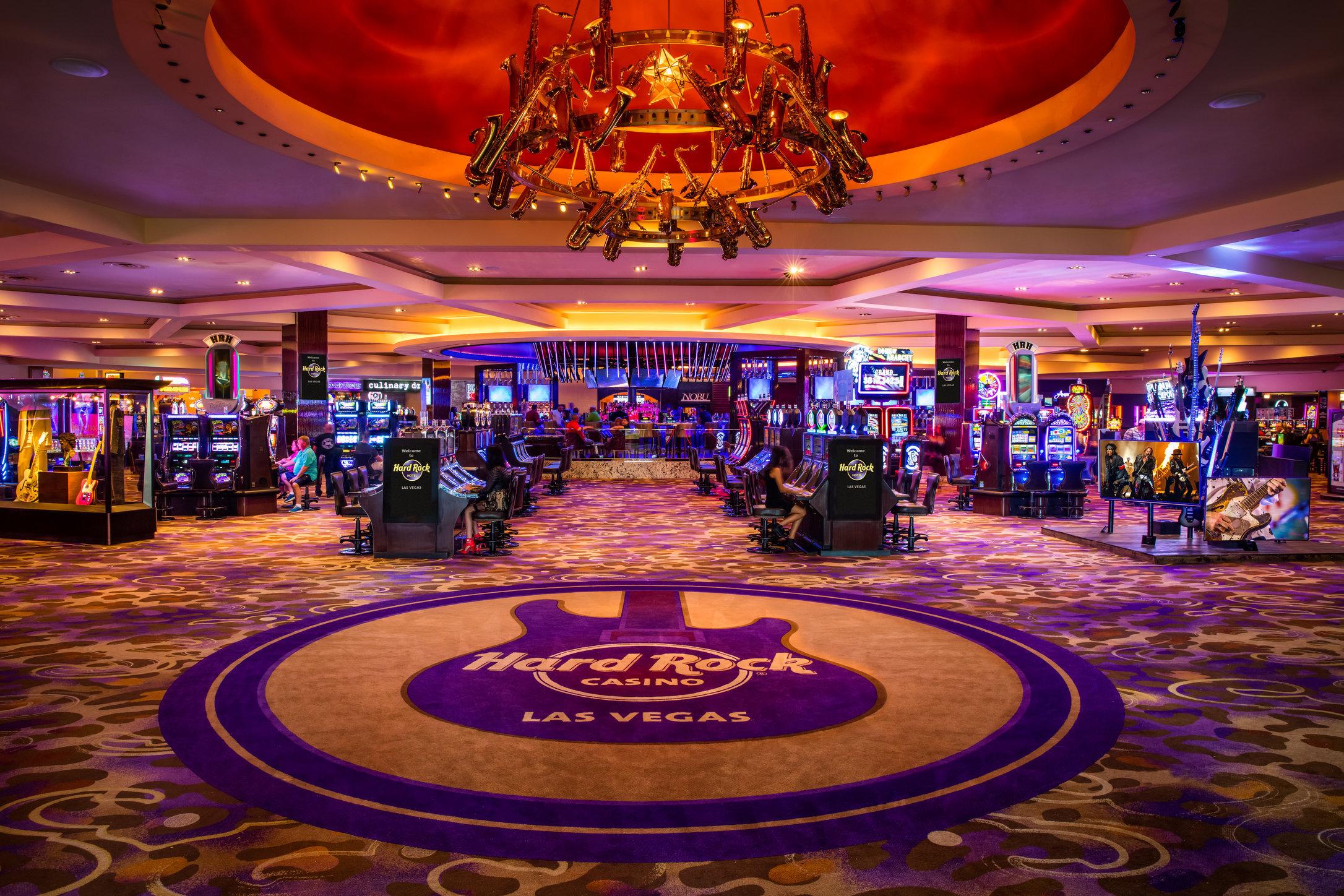 09_21_15_hrh_casino_cent_bar_editorial_kabik-120_LAYERS.jpg