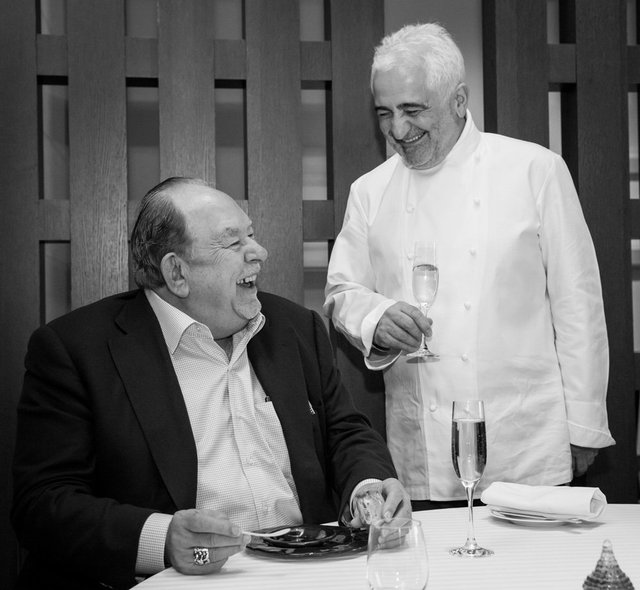 Guy-Savoy-and-Robin-Leach-Photo-by-Erik-Kabik.jpg